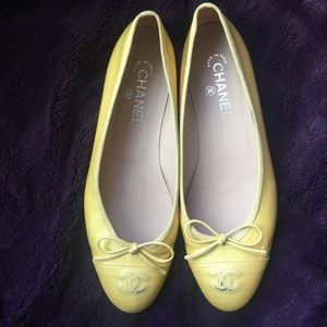 Chanel 100% auth yellow patent ballet flats